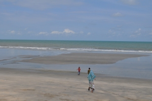 pantai kampung yang indah bersih dan aman