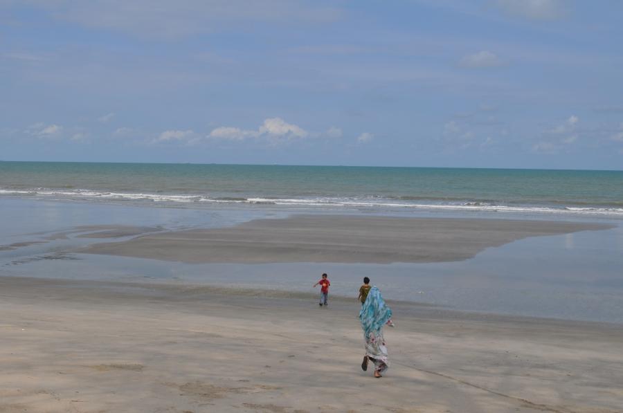 kampung yang aman damai di pesisiran pantai yang indah