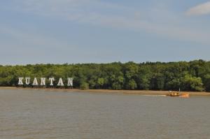 sign board besar di sungai pahang